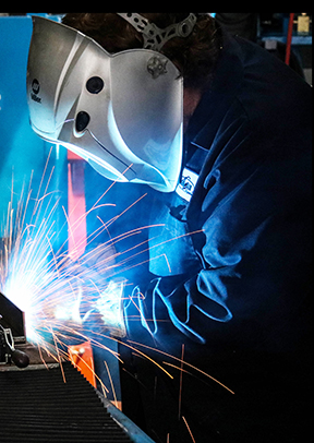 Image of liver welding with a semi-automatic MIG gun